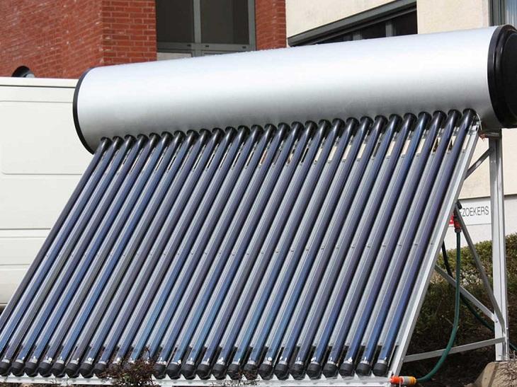 Bình năng lượng mặt trời